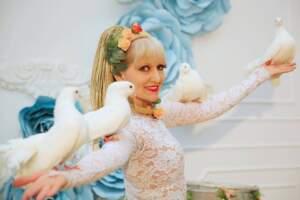 Шоу номер с голубями для свадьбы в Алматы Казахстан